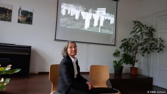 Remzija Suljic, die Frau die den Volkermord in Srebrenica überlebt hat. (DW/B. Dulovic)