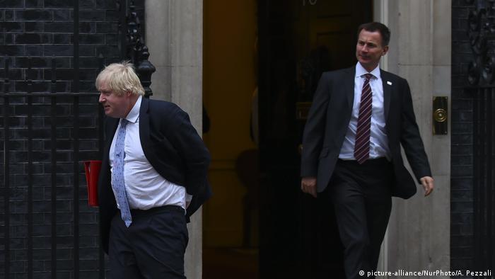 Бывший и нынешний главы МИД Великобритании