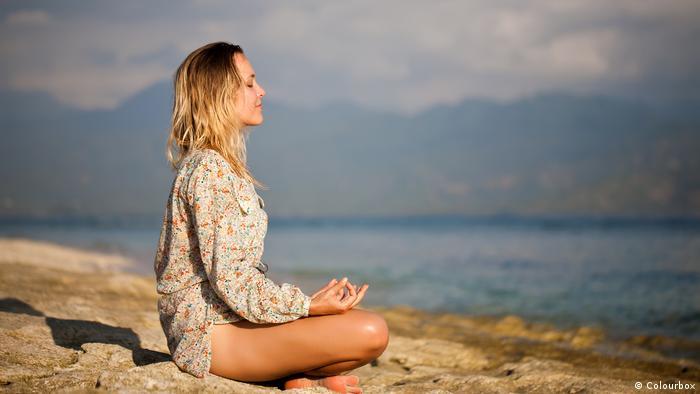 Meditation by the sea (Colourbox)
