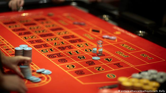 Swiss casino in Zurich (picture-alliance/dpa/Keystone/G. Bally)
