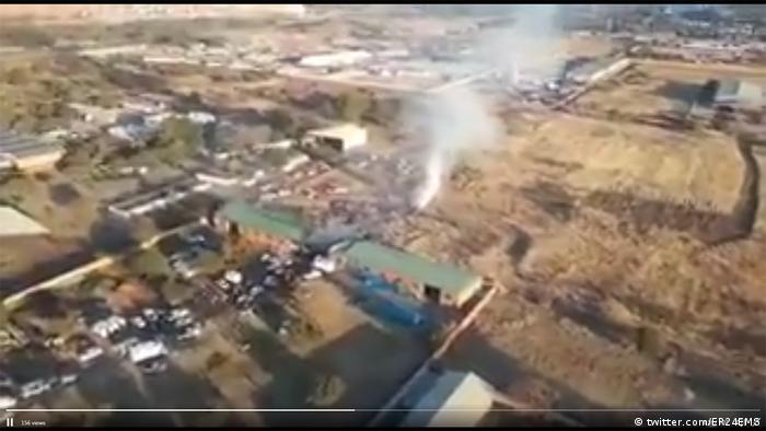 Südafrika Flugzeugabsturz - Screenshot Sicherheitskräfte ER24 EMS (twitter.com/ER24EMS)