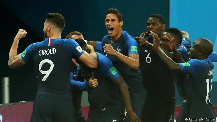 FIFA Fußball-WM 2018 in Russland | Halbfinale -Frankreich vs Belgien | Jubel (1:0) (Reuters/M. Dalder)
