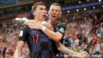 Μάριο Μάντζουκιτς (αριστερά) και Ιβάν Πέρισιτς: οι χρυσοί σκόρερ της Εθνικής Κροατίας απέναντι στην Αγγλία