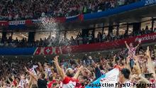 11th July 2018, Luzhniki Stadium, Moscow, Russia; FIFA World Cup WM Weltmeisterschaft Fussball Football, semi final, Croatia versus England; The crowd celebrating Mario Mandzukic of Croatia scoring for 2-1 on the 108th minute PUBLICATIONxINxGERxSUIxAUTxHUNxSWExNORxDENxFINxONLY ActionPlus12046655 UlrikxPedersen