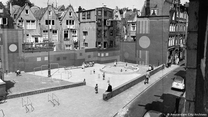 Playground in Amsterdam (Amsterdam City Archives)