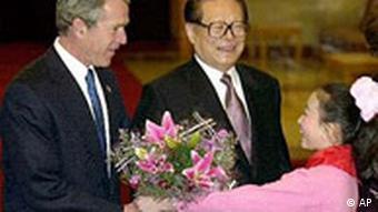 George Bush bei Jiang Zemin in China