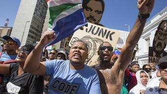 Η διαφθορά, ο νεποτισμός, η αυθαιρεσία και η φτώχεια είναι ριζωμένα στην κοινωνία της Νότιας Αφρικής