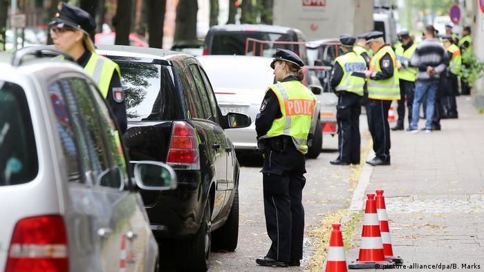 Police check cars in Hamburg