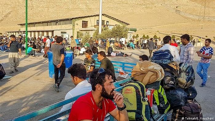 موج بازگشت افغانها به کشورشان به دلیل سقوط ارزش ریال