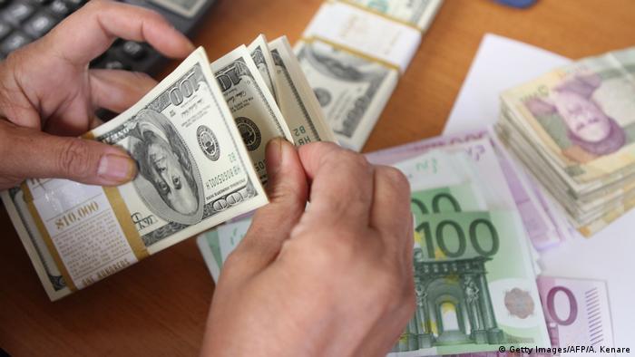 Iran Geldwechsel Dollar und Euro