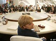 Merkel auf dem G8-Gipfel (Foto: AP)