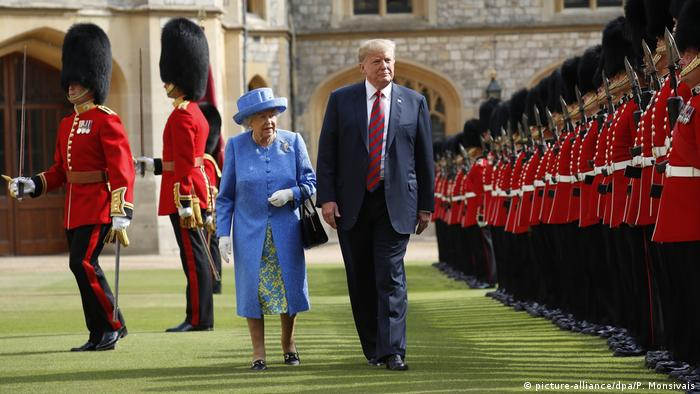 Großbritannien Donald Trump und Queen Elizabeth (picture-alliance/dpa/P. Monsivais)