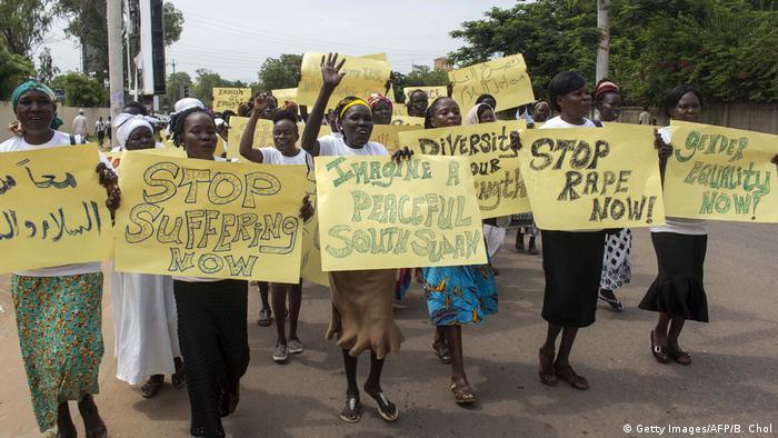 Südsuden - Frauen demonstrieren für Frieden und Rechte (Getty Images/AFP/B. Chol)
