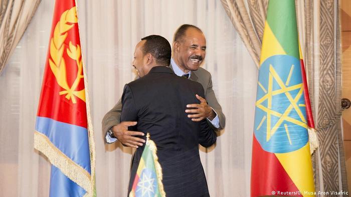 Eritrea - Der äthiopische Ministerpräsident Abiy und der eritreischen Staatschef Afewerki (Reuters/G. Musa Aron Visafric)