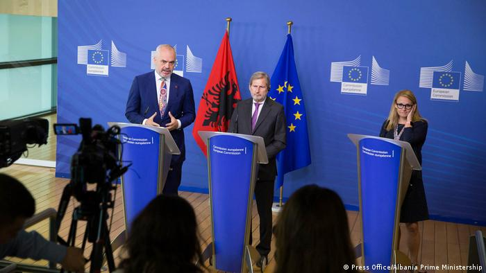 Hahn und Edi Rama in Brüssel (Press Office/Albania Prime Ministership)