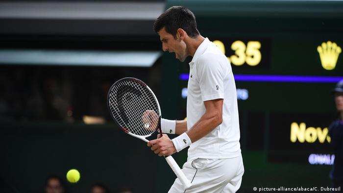 England London Wimbledon Tennis Rafael Nadal und Novak Djokovic