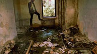 خوابگاه دانشجویان پس از حمله نیروهای امنیتی در ۱۸ تیر ۱۳۷۸