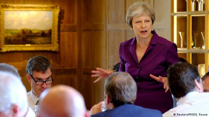 Großbritannien Brexit - Theresa May trifft ihr Kabinett (Reuters/MOD/J. Rouse)
