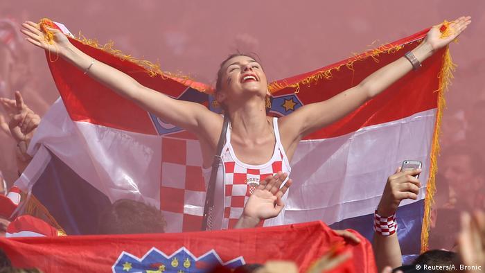 ... slika govori sve. Trenutak ekstaze. Uhvaćen na središnjem trgu u Zagrebu.