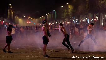 Frankreich Paris   Ausschreitungen nach Gewinn der Fußball-WM 2018