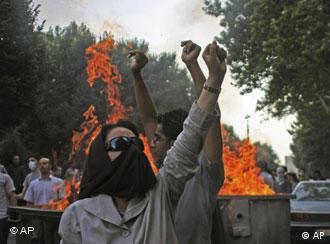صحنهای از تظاهرات ۱۸ تیر ۱۳۸۸ در تهران