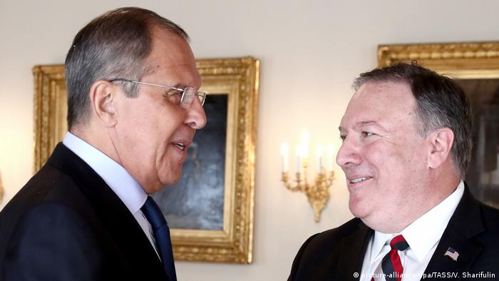 Finnland Lawrow mit Pompeo in Helsinki (picture-alliance/dpa/TASS/V. Sharifulin)