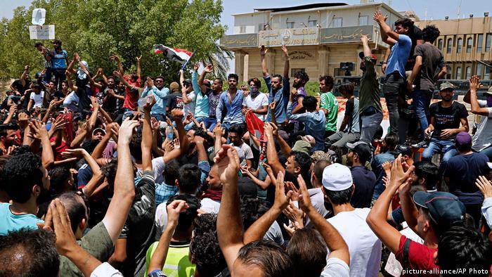 Naher Osten Irak Demonstration (picture-alliance/AP Photo)