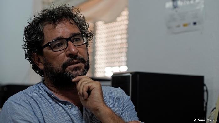 The manager of a refugee shelter | Carlos Carvajal