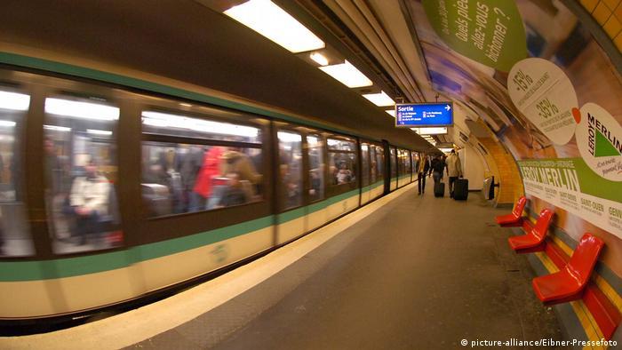 Metro Paris Charles de Gaulle