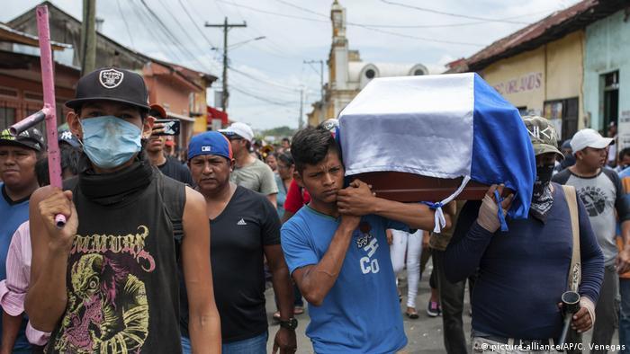 Nicaragua, Masaya: Proteste auf den Straßen (picture-alliance/AP/C. Venegas)