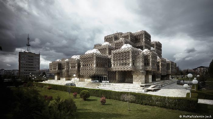 The National and University Library of Kosovo was designed by Andrija Mutnjakovic (MoMa/Valentin Jeck)