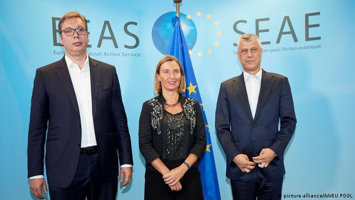 SEAE Mogherini - Vucic - Thaci -Treffen in Brüssel (picture-alliance/AA/EU POOL)