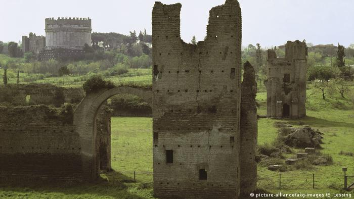 BG Rom Appia Antica (picture-alliance/akg-images /E. Lessing)