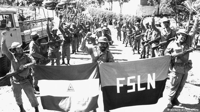Bürgerkrieg in Nicaragua - Sandinistische Armee (picture-alliance/dpa)