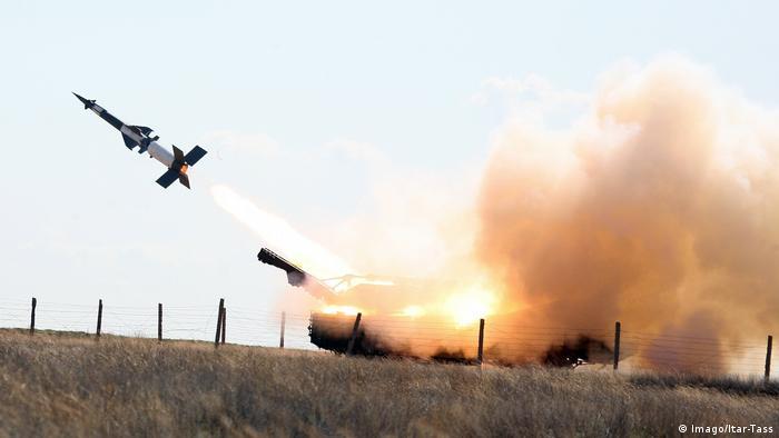 Armenien - Russische Militärübung 2011 (Imago/Itar-Tass)