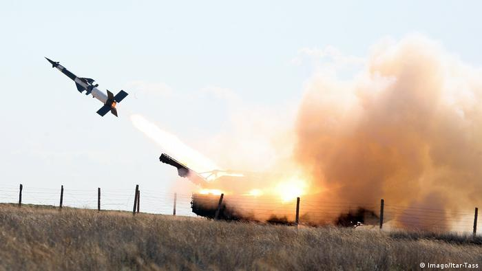 S-400 during a drill in Armenia in 2011 (Imago/Itar-Tass)
