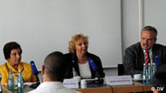 Shirin Ebadi auf Pressekonferenz in der Deutschen Welle