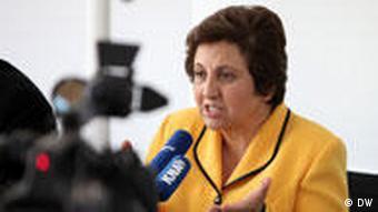 شیرین عبادی: قوهی قضاییه را از سیاسی شدن نجات دهید