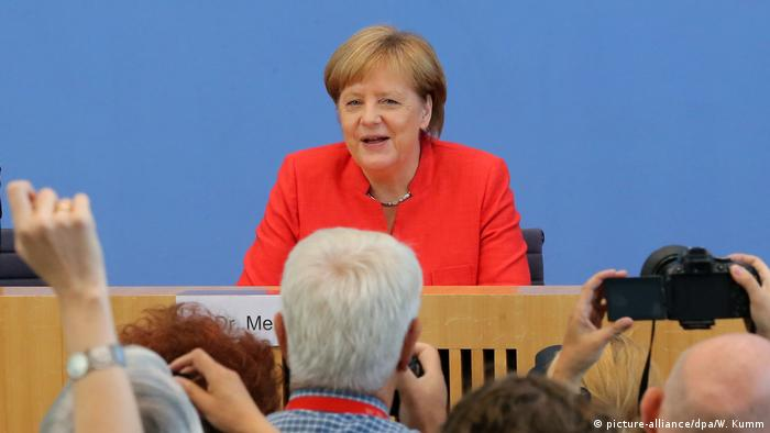Sommerpressekonferenz Merkel (picture-alliance/dpa/W. Kumm)