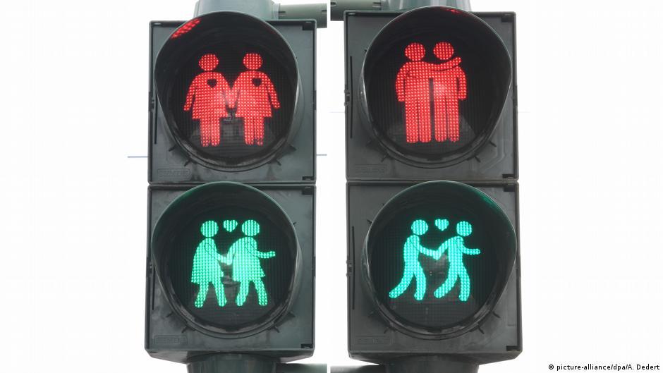 交通小綠人「心」戀曲,這座城市期待透過這項改變走上性別平等的大道!