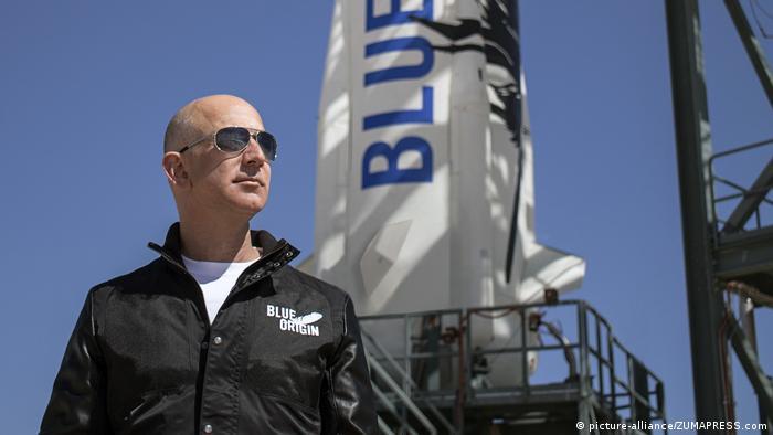 جف بزوس، رئیس شرکت آمازون با ۱۸۵ میلیارد دلار دومین فرد ثروتمند جهان است.