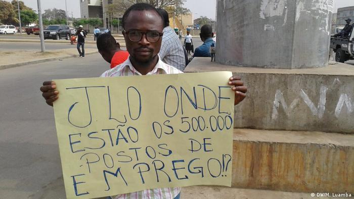 Angola Luanda Frederico Kariongo während Protest gegen Arbeitslosigkeit (DW/M. Luamba)