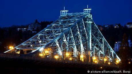 Мост через Эльбу в Дрездене
