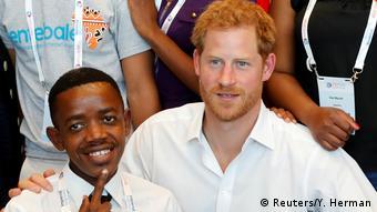 Niederlande Amsterdam - Prinz Harry zur 22. Internationalen AIDSKonferenz (Reuters/Y. Herman)