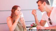 Symbolbild: Hetero Paar im Cafe