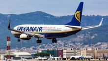Spanien Barcelona Ryanair Boeing 737 Flugzeug