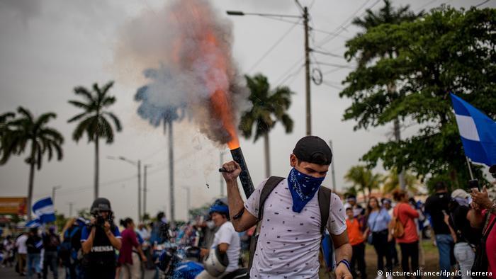 Nicaragua Proteste (picture-alliance/dpa/C. Herrera)