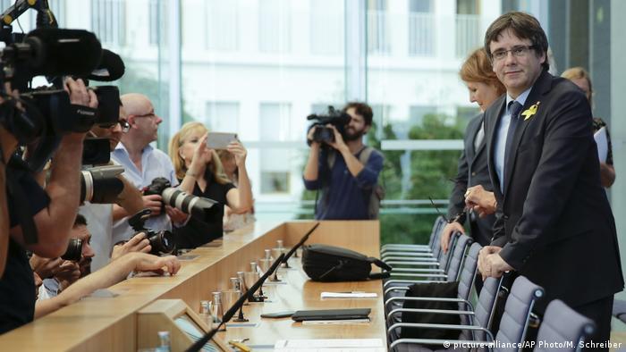 Berlin Pressekonferenz Puigdemont (picture-alliance/AP Photo/M. Schreiber)