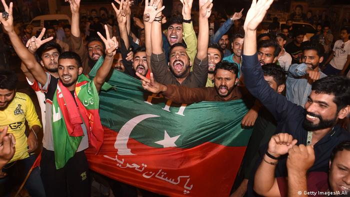 Imran Khan supporters celebrate PTI election victory (Getty Images / A.Ali)