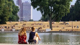 Κολωνία: Λίγη δροσιά στις όχθες του Ρήνου